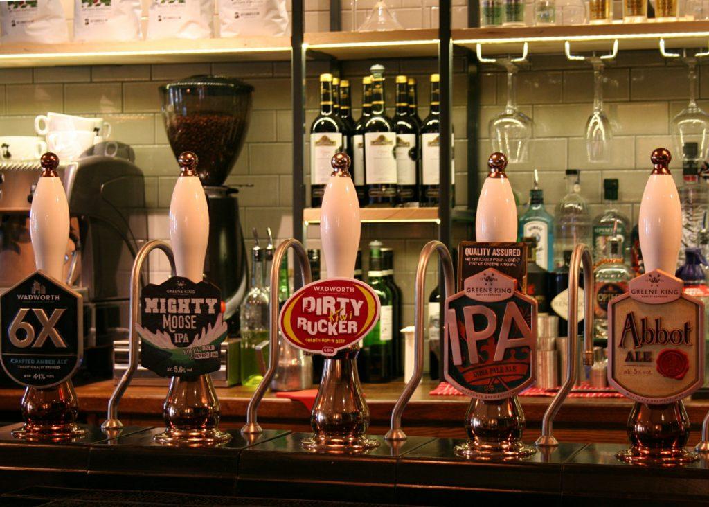 Kings Arms Pub bury St Edmunds real ale taps